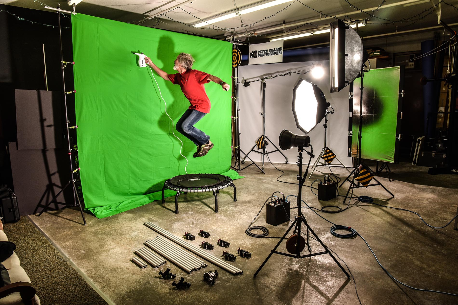 Studio behind the scenes steamer & green screen
